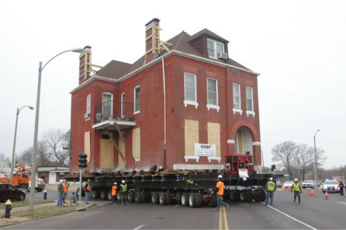 St. Louis moves 122-year-old home seven-tenths of a mile
